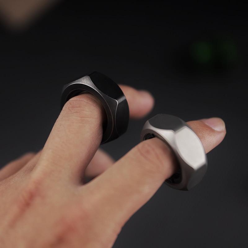 Black Mirror Original Large Screw Fingertip Hand Spinner Desktop Solution Pressure Reduction Toy Artifact EDC Rotating Cool Play enlarge