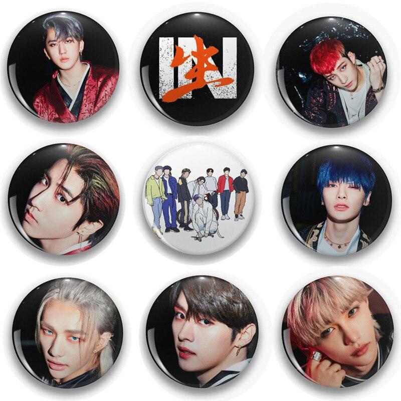 KPOP Stray Kids 58MM broches broches nouvel Album en direct Chan Lee min-ho Hwang hyun-jin Han Ji Sung Fans Collection
