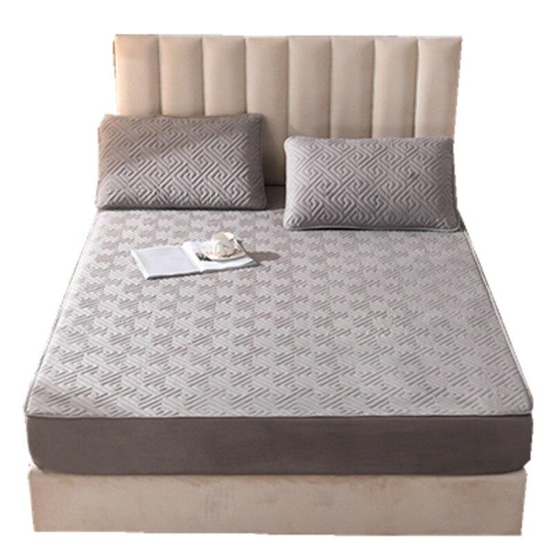 غطاء سرير لون نقي ، مبطن المفرش سماكة شاملة ، عدم الانزلاق غطاء للحماية من التخصيص
