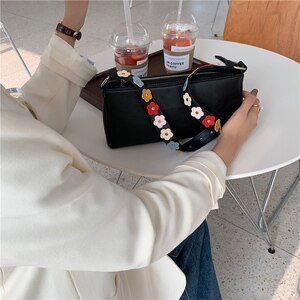 Women Bags Frosting Luxury Handbags 2020 New Lady Flower Chain Baguette Underarm Bag Retro Female Shoulder Hand Bag Bolso Mujer