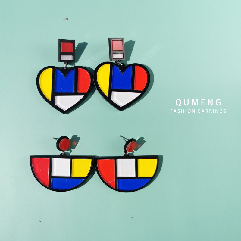 QUMENG coreano acrílico colorido empalme corazón declaración pendientes para las mujeres geométrica Stud pendientes joyería de moda fábrica Yiwu