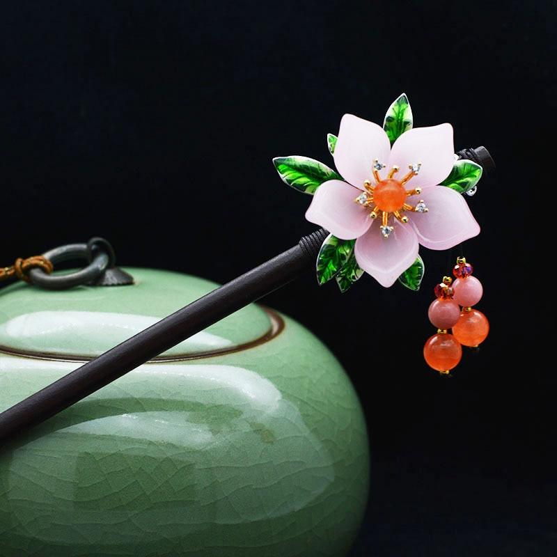 Palillos chinos tradicionales hechos a mano de madera, hoja étnica de moda, colgante de flores, cuentas, borla, joyería para el cabello para mujeres, regalo de Cosplay