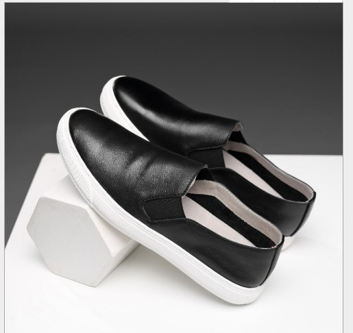 2021 جديد لينة سميكة وحيد أحذية مريحة أحذية من الجلد أحذية رياضية غير رسمية تنفس