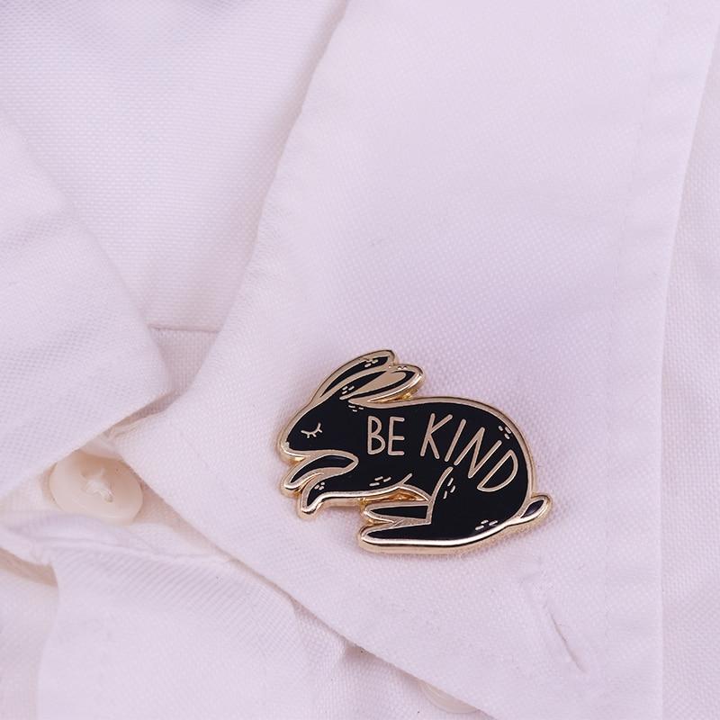 Encantador ser esmalte lindo bastante conejo conciencia lema broche humanos abrigo solapa bufanda para Jersey placa