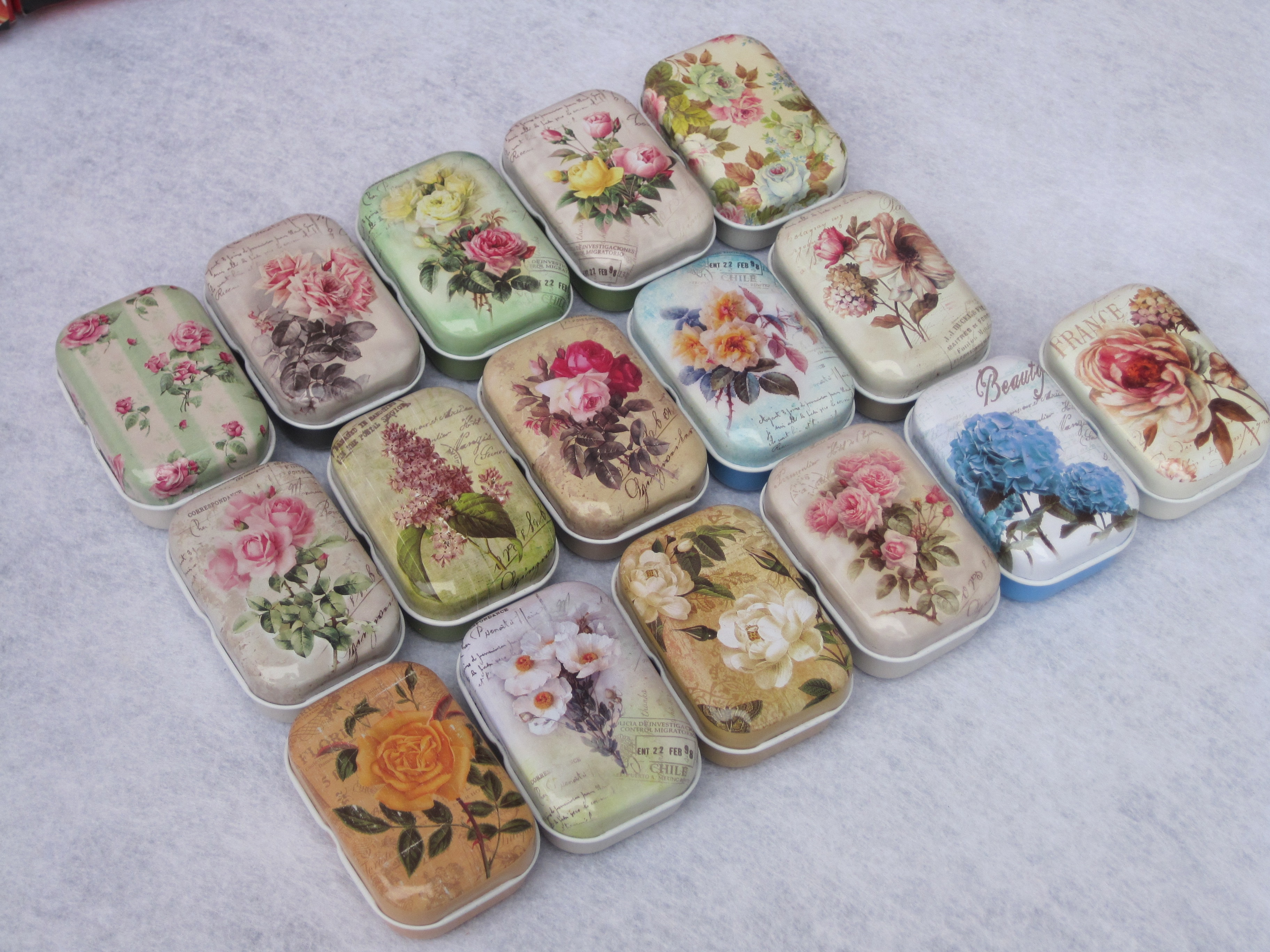 Купить с кэшбэком Colorful mini tin box sealed jar packing boxes jewelry, candy box small storage boxes cans coin earrings, headphones gift box