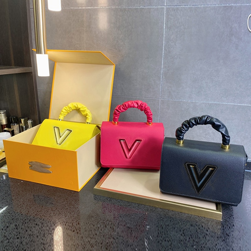 حقيبة يد فاخرة على شكل حرف V ، حقيبة نسائية جديدة ، حقيبة كتف مفردة نسائية عصرية ، صندوق مربع صغير متقاطع غير رسمي