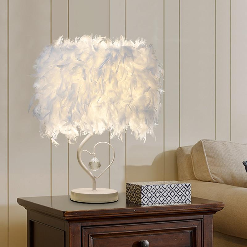 Lámpara de mesa LED moderna, lámpara De escritorio con plumas, lámpara de cristal con alas De corazón para dormitorio, sala de exposición, lámpara De mesa romántica