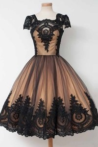 платье 2021 A-line Black Gold Gothic Short Wedding Dresses With Short Sleeves Vintage 1950s 60s Colorful Bridal Gowns