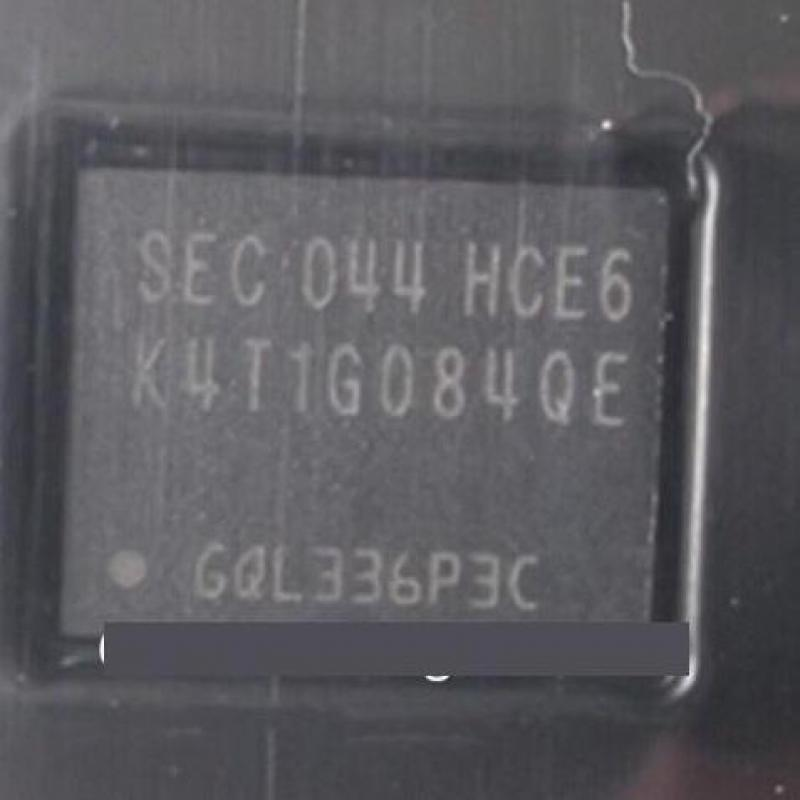 جديد K4T1G084QE-HCE6 K4T1G084QE بغا 10 قطعة