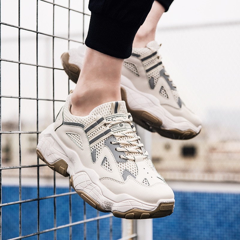 Nuevos zapatos informales gruesos para hombre, zapatillas de plataforma transpirables con cordones para adultos, zapatillas de tenis para hombre, diseño antideslizante elegante para estudiantes