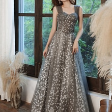 Lace Appliques Prom Dresses Long Spaghetti Straps Lace-up Back Sleeveless Formal Evening Party Gowns