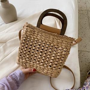 2021 Summer Women Straw Rattan Crossbody Bag with Short Handle Hand-woven Shoulder Purses and Handbags Seaside Vacation