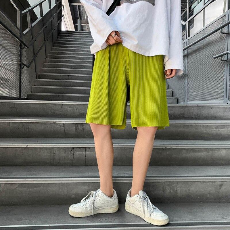 Summer Pleated Shorts Men's Fashion Black Green White Casual  Men Streetwear Loose Beach  Mens Large Size M-5XL