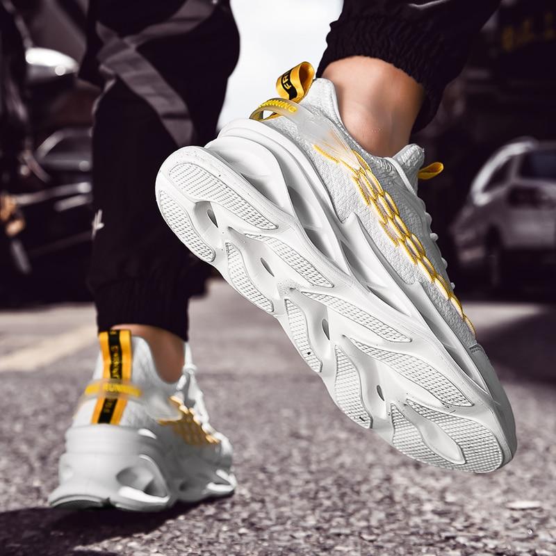 Купить с кэшбэком Hot Sales Men's Lightweight Sports Training Running Shoes Comfortable Breathable Sneakers Outdoor Leisure Non-slip Sports Shoes