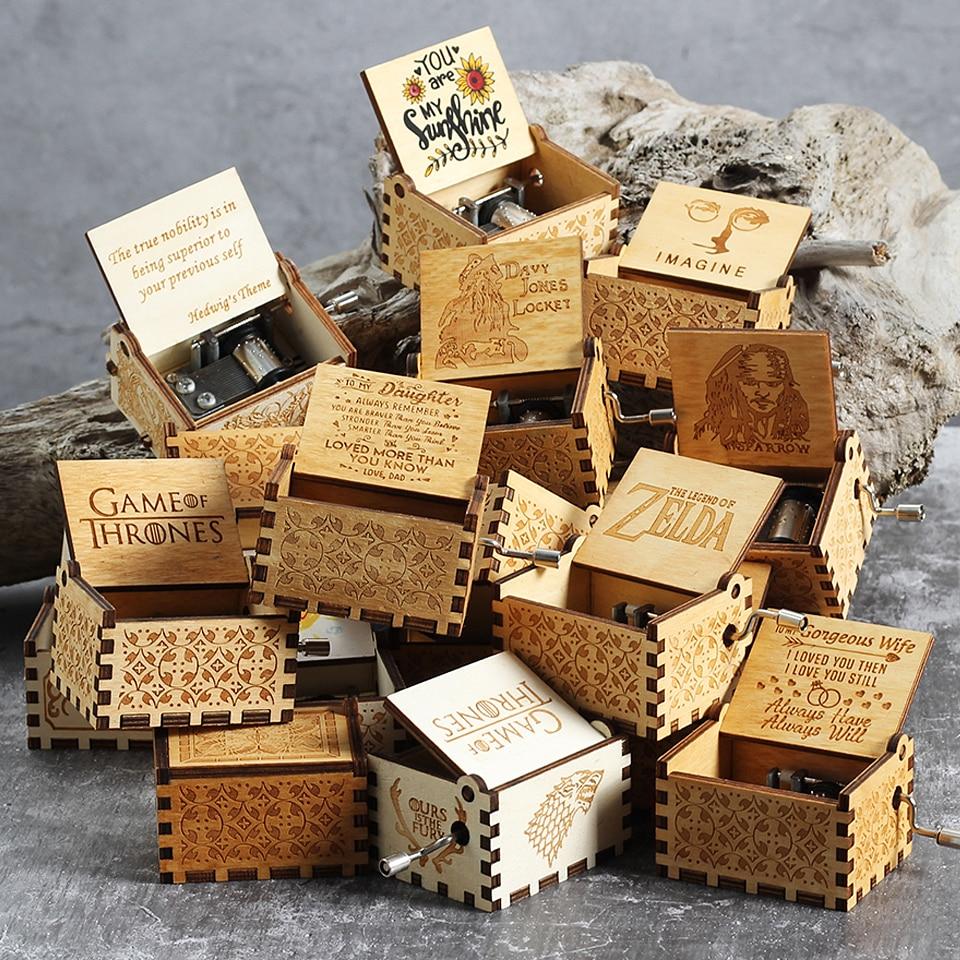 Caja de música de la reina de moda, caja de música de Star Wars forrada a mano de talla de madera, caja de música de Harry Potter, regalo de cumpleaños y Navidad para frie