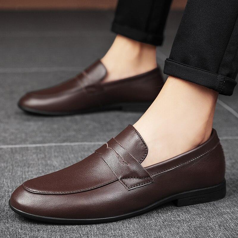 حذاء رجالي جلد طبيعي الرجال عادية المتسكعون في الهواء الطلق موضة جلد البقر عدم الانزلاق مقاوم للماء الانزلاق على أحذية رجالي Mocassin