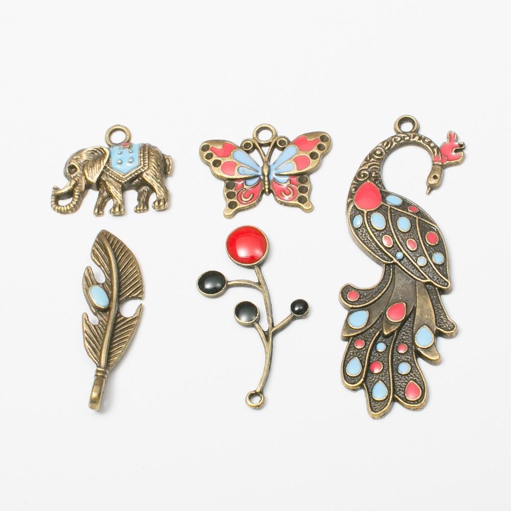Cor de Bronze do vintage Encantos Liga de Zinco Elefante Animal Borboleta Pena de Pavão Rodada Árvore Pingente Jóias DIY Encantos 10pcs