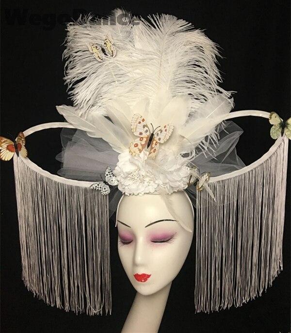 النمط الصيني الأبيض الفاخرة العروس نموذج المنصة تظهر مبالغ فيها ريشة المرحلة الإبداعية غطاء الرأس