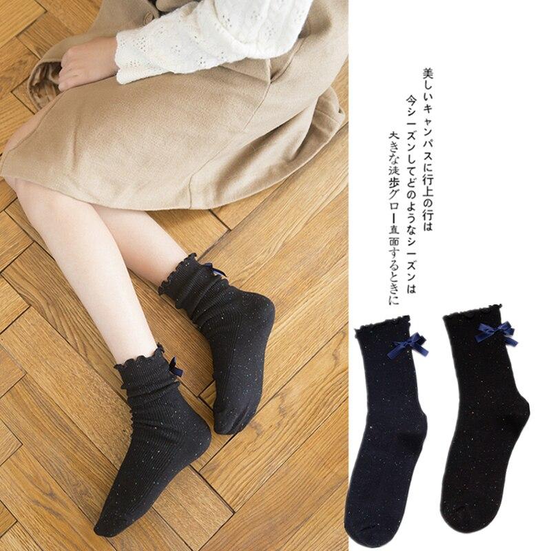 ¡Novedad de 2020! Medias de puro algodón para mujer, calcetines de tubo medio con nudo lateral para mujer, calcetines de regalo de moda negros puros con puntos dorados pequeños para mujer.