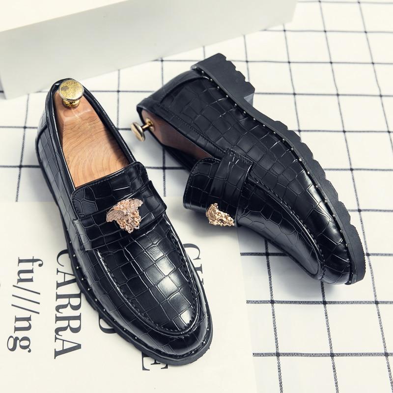 جديد موضة الرجال الحفلات و الزفاف اليدوية المتسكعون الايطالية الرجال فستان أحذية مريحة تنفس حذاء رجالي حجم كبير 48