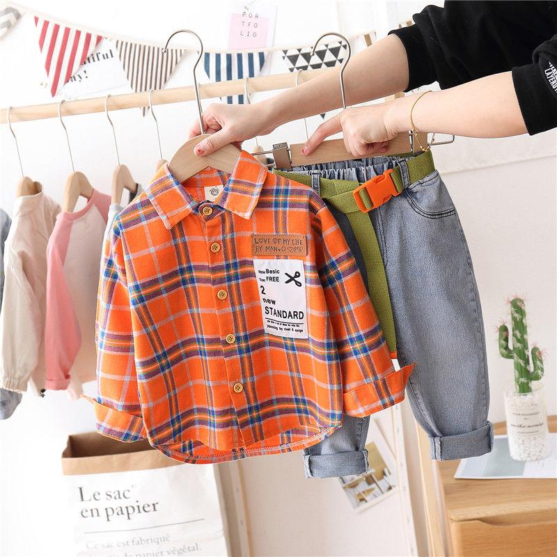 Комплекты одежды для маленьких мальчиков, комплекты из 2 предметов на весну и осень, рубашка в клетку с нашивками и джинсы с поясом, модная ос...