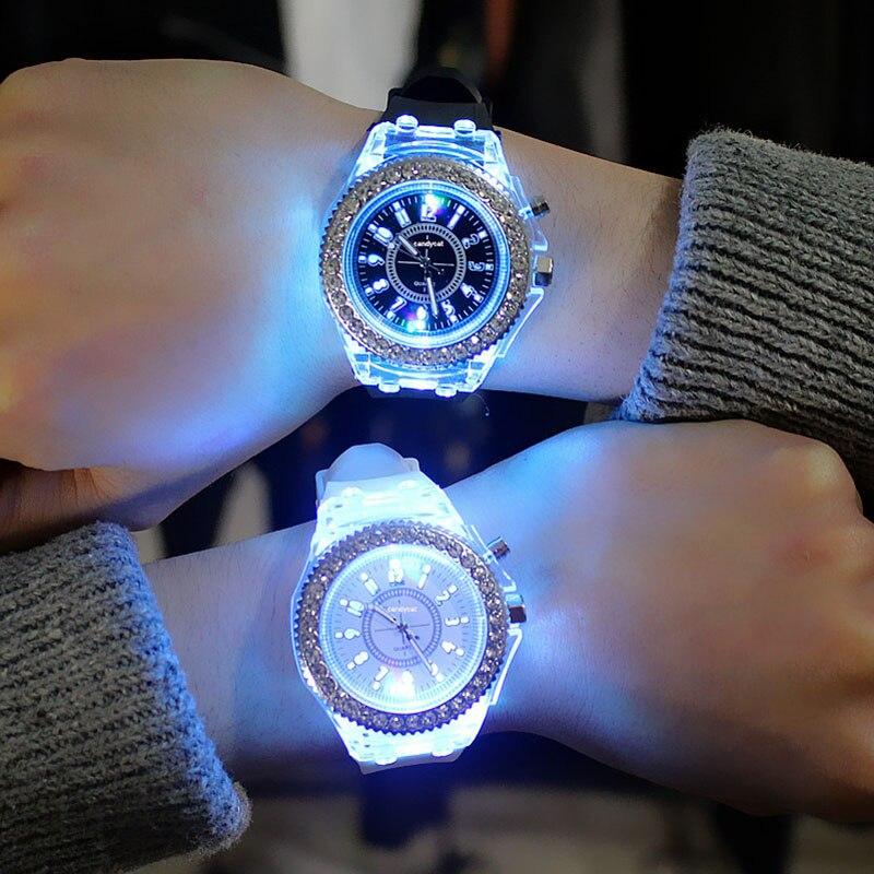 Relojes luminosos LED para parejas de hombres y mujeres, relojes de pulsera Harajuku con diamantes de imitación, relojes de pulsera informales, reloj deportivo de cuarzo para hombres y mujeres