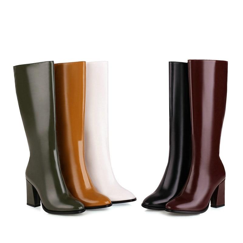 حذاء طويل من الجلد الصناعي بمقدمة مدببة للنساء ، أحذية قطيفة قصيرة باللون الأصفر والأخضر والأبيض والأسود والأبيض لفصل الشتاء