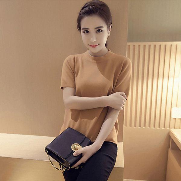 Camiseta dorada de manga corta fucsia para mujer