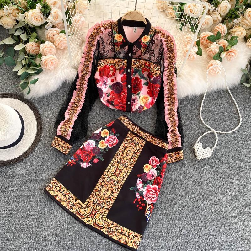 2021 الخريف جديد تنورة دعوى قطعتين قصر نمط الرجعية قميص مطبوع تنورة عالية الخصر الإناث UK501
