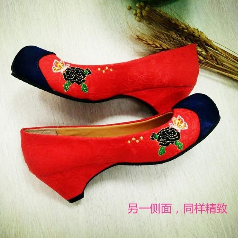 الأحمر مطرزة هوك الأحذية الكورية التقليدية الهانبوك مع أحذية الكبار الإناث أسافين بقعة بالجملة