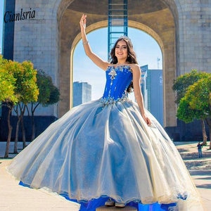 Blue Sleeveles Tiered Skirt Princess Ball Gown Quinceanera Dresses Sweetheart Beading Crystal Organza Sweet 16 Prom Party Dress