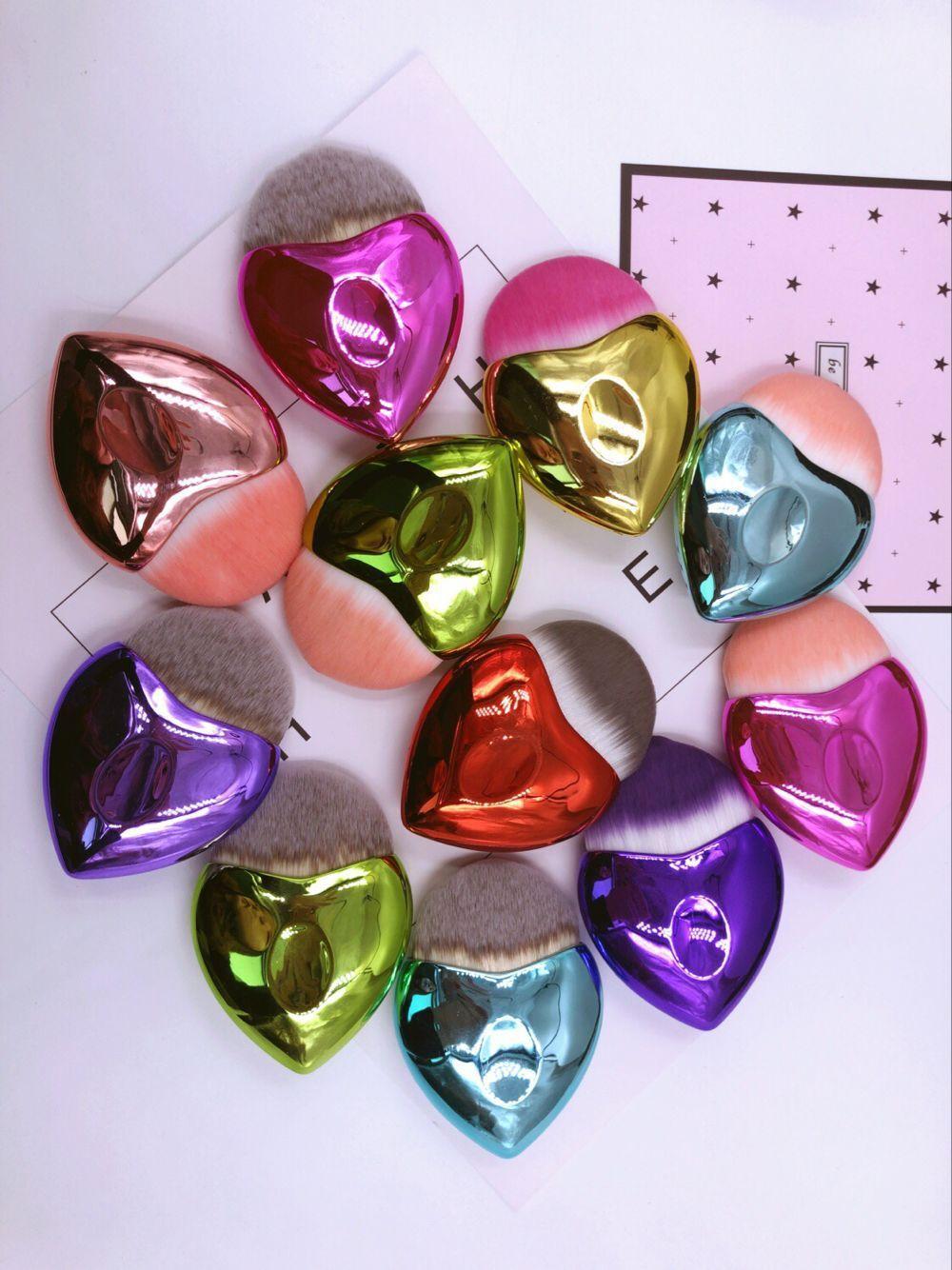 Mango de plástico portátil en forma de corazón brocha de base galvanoplastia polvo suelto rubor maquillaje brocha maquillaje herramienta Accesorios
