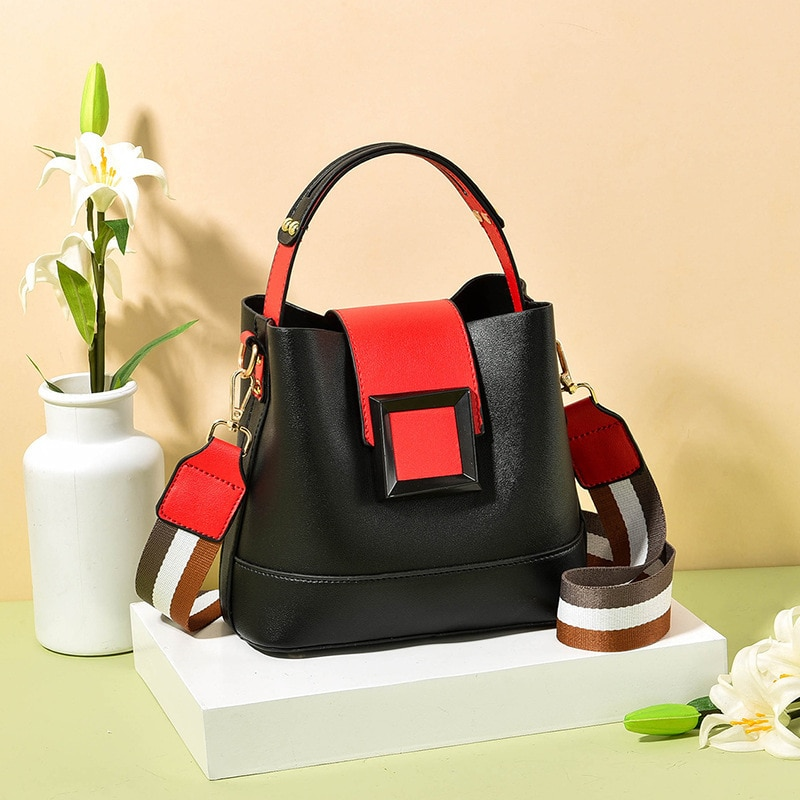 Leather Bucket Packet 2021 New Fashion Women's Handbag Three-Dimensional Simple Personality Shoulder
