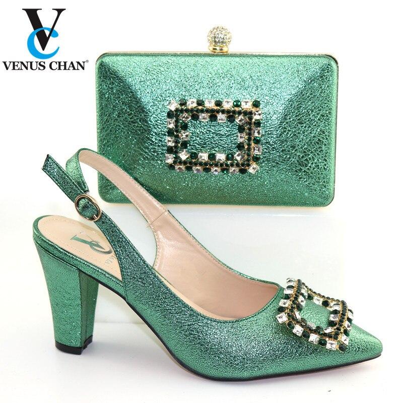 Lo último en zapatillas y bolsos de dedo del pie en Color verde italiano para mujer, conjunto de bombas de borde italiano zapatos y Bolsa para fiesta