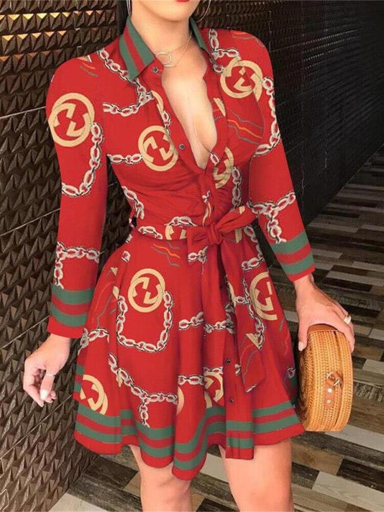 Женское короткое платье с длинным рукавом, V-образным вырезом и поясом фото