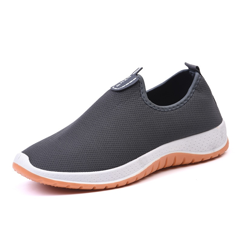2021 new running shoes for men and women black white color size 36-46 eur66