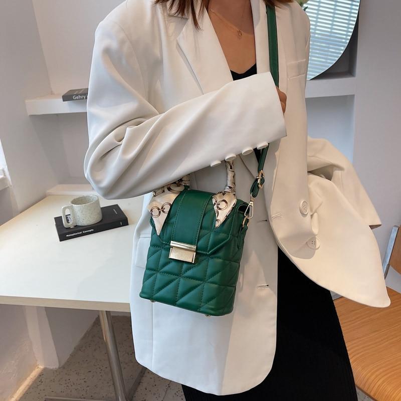 تصميم شريط صغير بو الجلود صندوق حقائب كروسبودي مع مقبض قصير للنساء 2021 الشتاء شنطة كتف ومحافظ