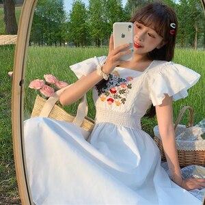 Summer Elegant French Non-Mainstream  Embroidered Flower Elastic Waist Medium-Length  Female tea party  lolita dress