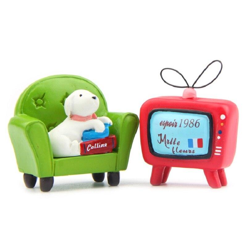 Lindas figuras de resina Kawaii para cachorros y sofás y TV, juguetes de juguete de modelo de colección para decoración del jardín del hogar, regalos de Navidad para niños