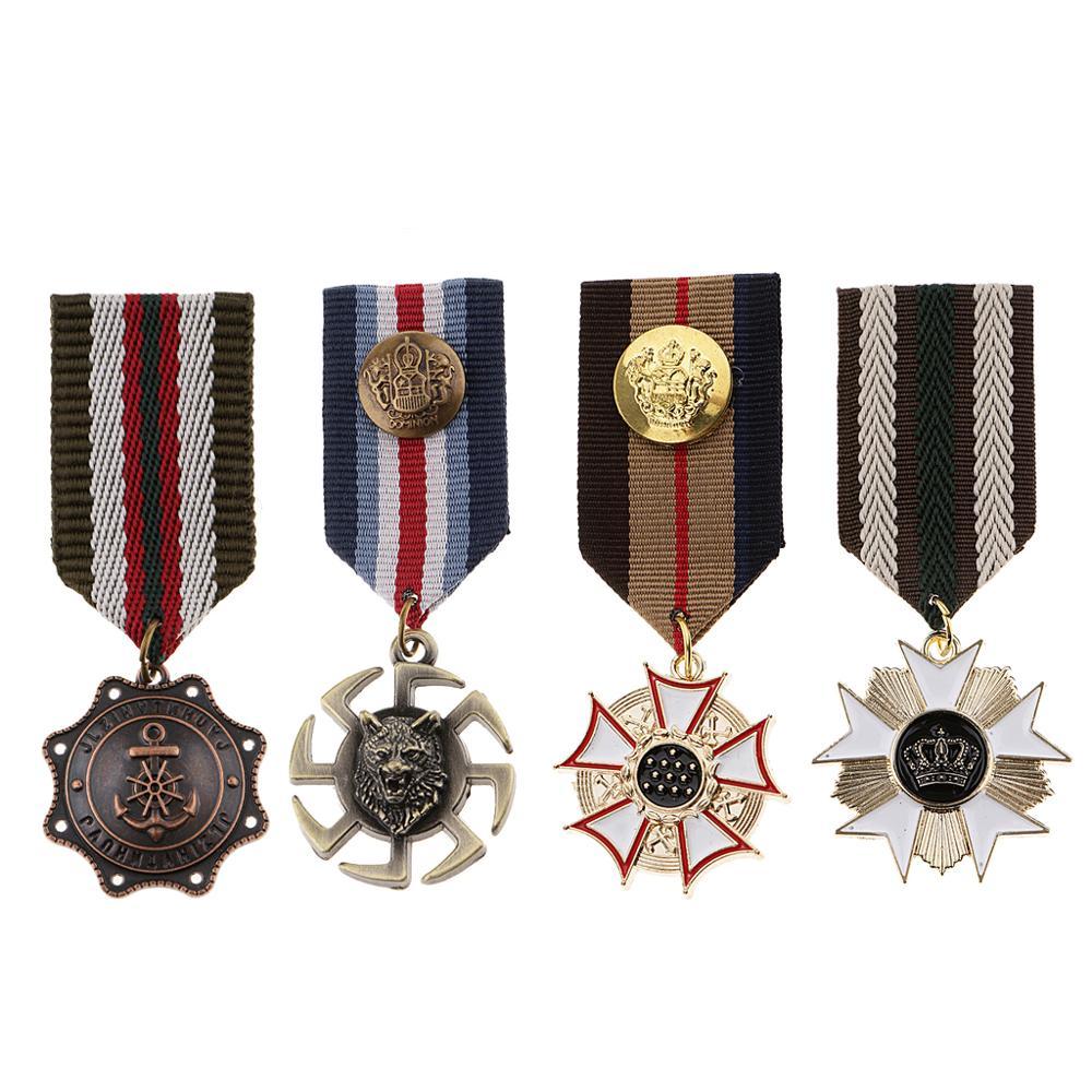 4 Pcs Retro Military Uniform Medal Brooch Breastpins Metal Badge Brooch Pin Vintage Star Charms Pendant Brooches for Men