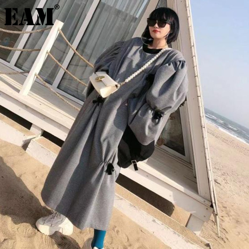 [EAM] فستان نسائي بفيونكة منقوشة بطيات مقاس كبير وياقة مستديرة وأكمام طويلة وفضفاضة مناسب للموضة لفصل الربيع 2021 1DD7470