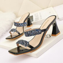 2021 New Fashion Glitter Bling Slippers Women High Heels Shoes Summer Sandals Peep Toe Pump Strange