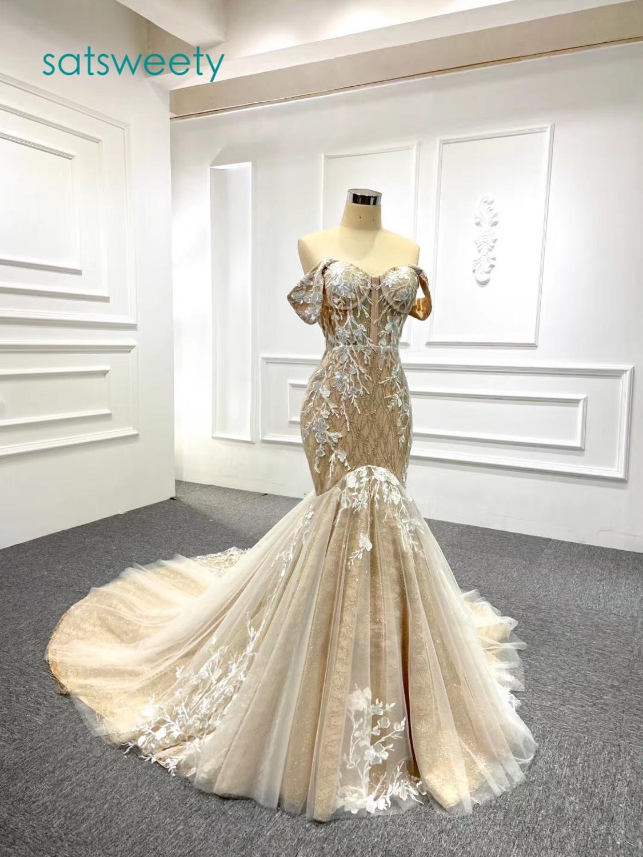Vestidos de novia de lujo de manga larga de gama alta con cuello redondo y encaje brillante