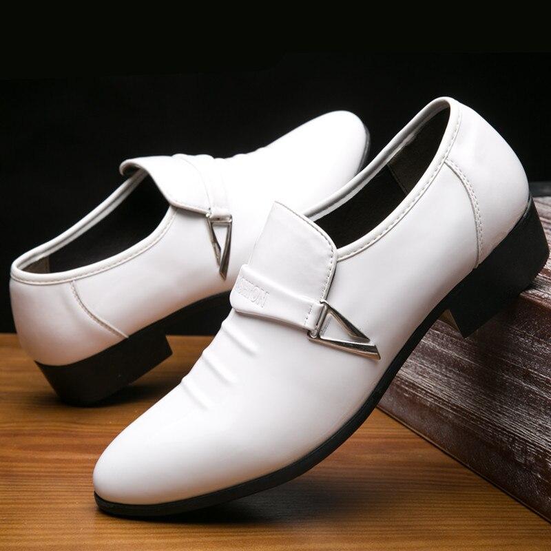 38 ~ 48 vestido blanco mocasines hombre Formal traje de boda zapatos de cuero deslizamiento en Punta puntiaguda plano mocasines italianos zapatos de negocios británico