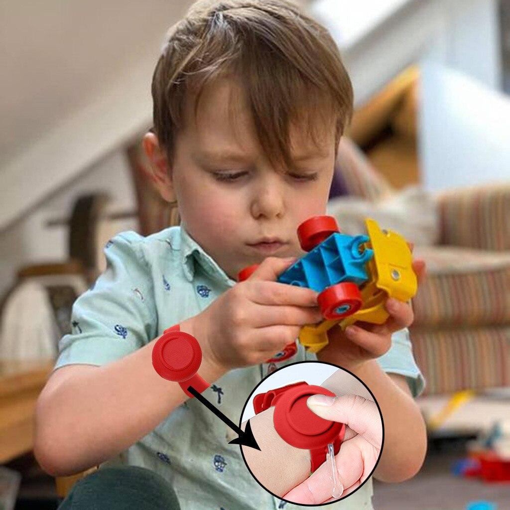 Enfants adulte multicolore drôle bracelet distributeur de main Gel de silice désinfectant lavage des mains liquide crème solaire montres pratique #