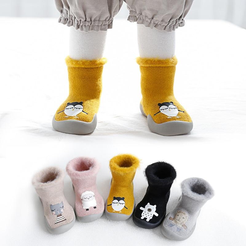 Plus velvet baby girl boy floor sock shoes nonslip baby toddler booties shoes soft rubber soles socks shoes newborn shoes