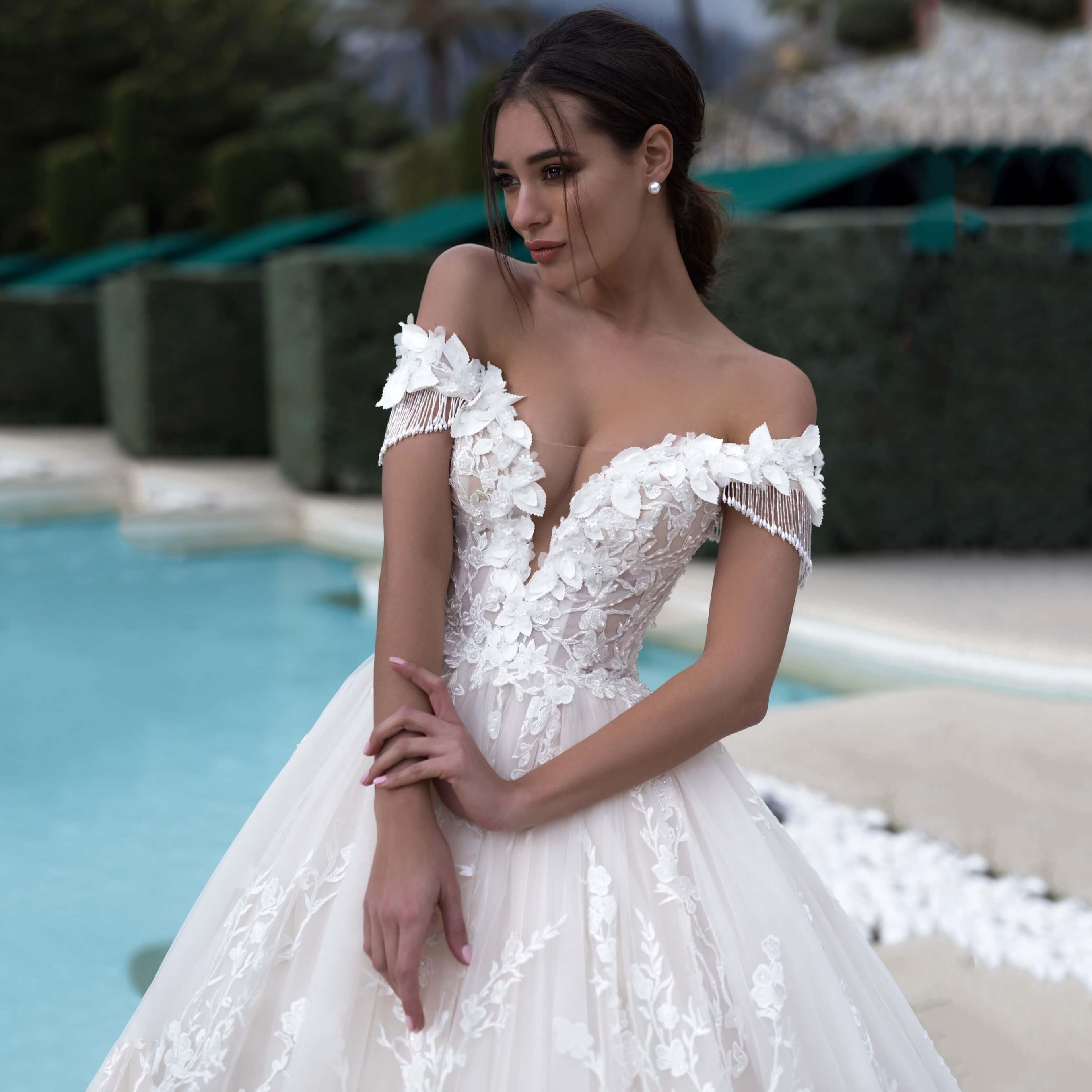 Thinyfull Sexy Off The Shoulder Sweetheart A Line Wedding Dress Luxury Full Appliques Lace Up Back Chapel Train Bride Dress