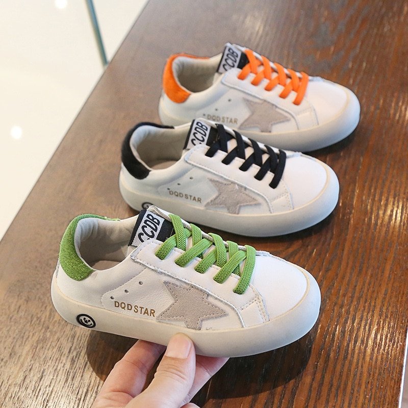2021 ربيع جديد النسخة الكورية من سطح شبكة مريحة و تنفس الأطفال حذاء كاجوال مسطح للبنين والبنات