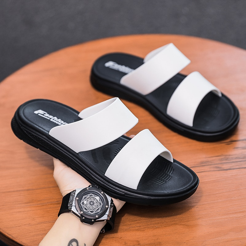 Sandy Beach Thick Bottom Men's Summer Shoes Flat New 2021 Outdoor Slippers Soft Male Shoe For Men Flip Flops Indoor Bathroom