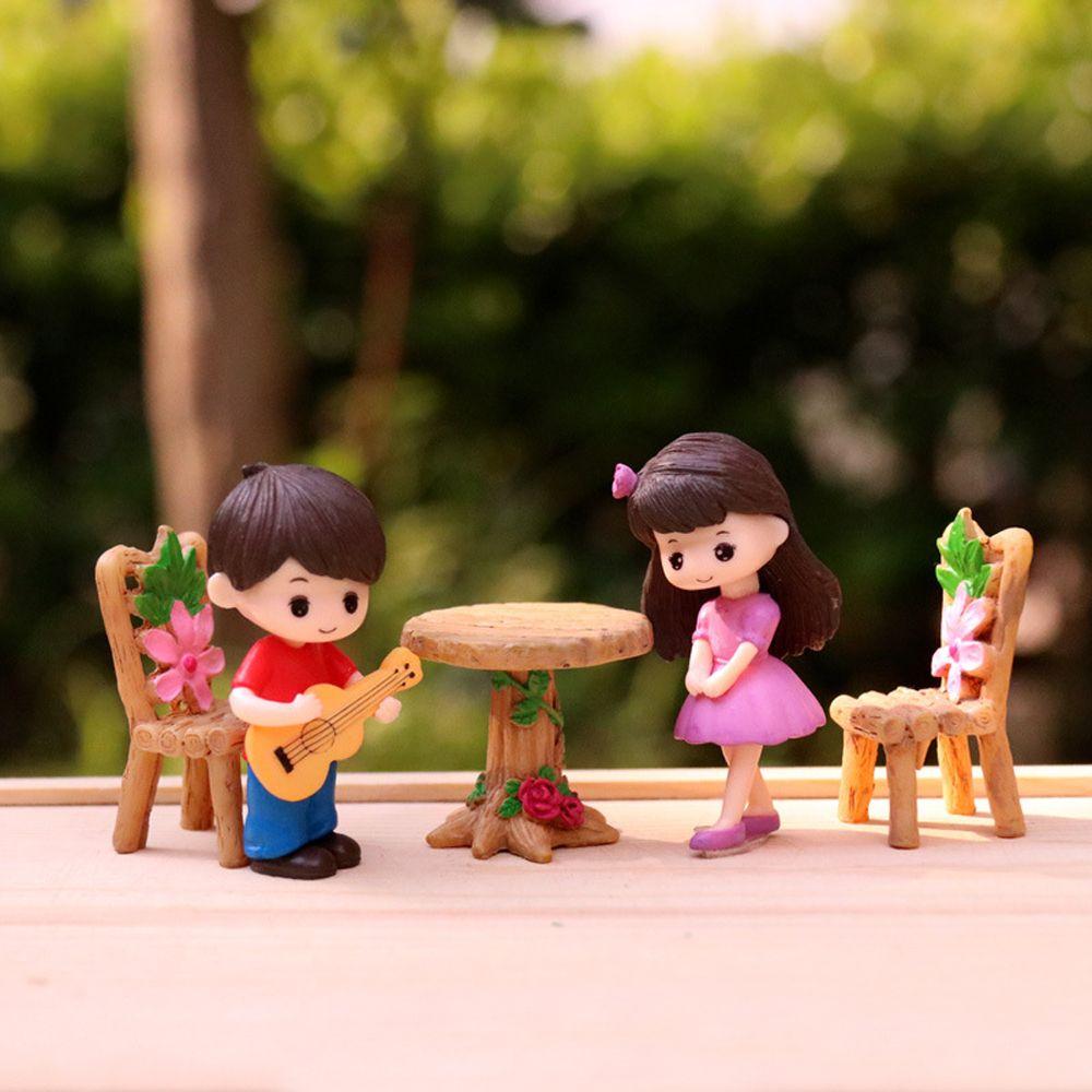 2pcs/set Creative Miniature Ornaments Boy Girl Guitar Sweety Lovers Couple Figurines Craft Fairy Resin Dolls Wedding Accessories